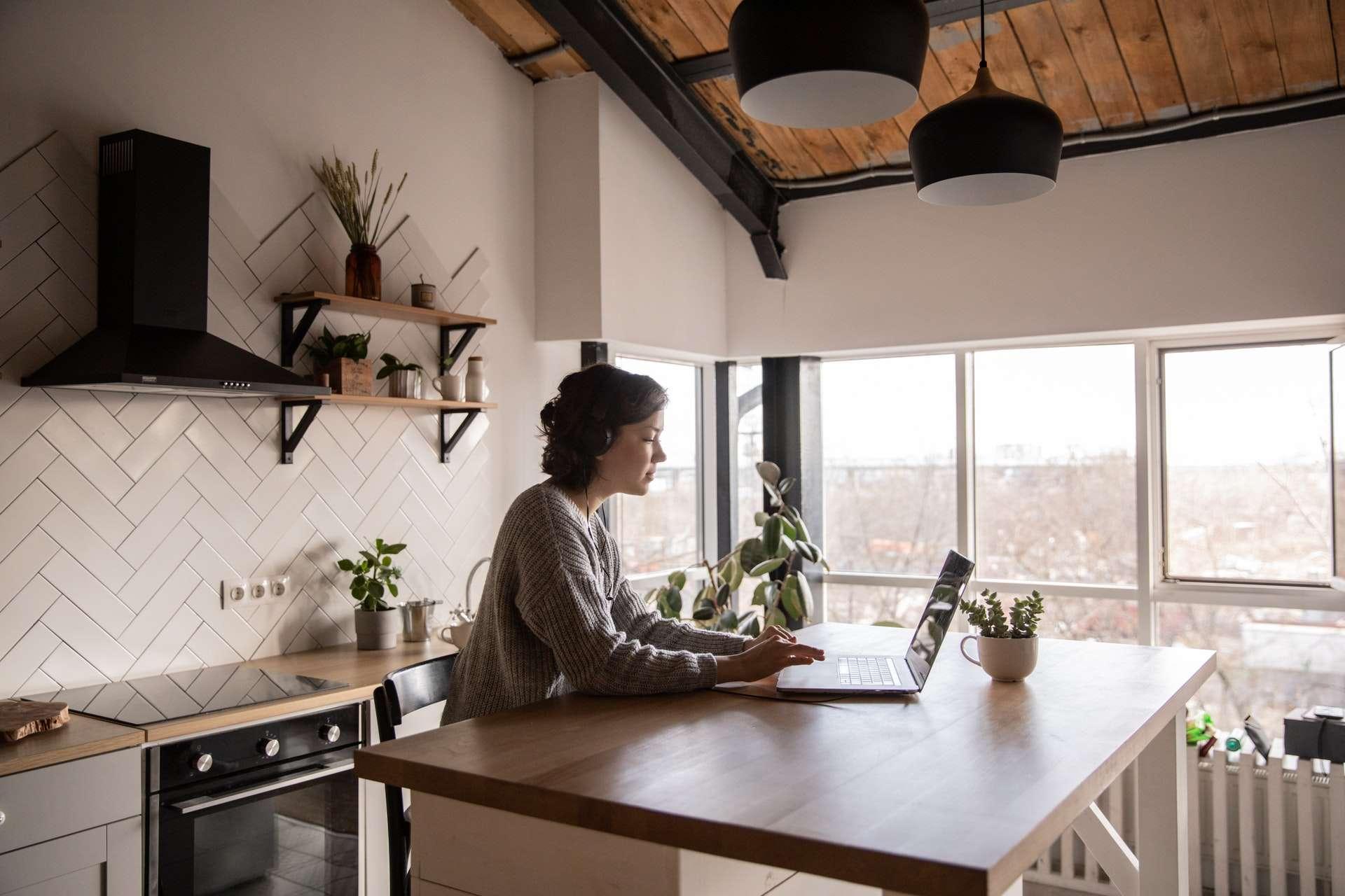 18 produits essentiels pour une meilleure productivité en télétravail